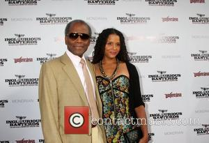 Sidney Poitier and Sydney Poitier  Los Angeles Premiere of Inglourious Basterds Premiere held at The Grauman Chinese Theatre -...