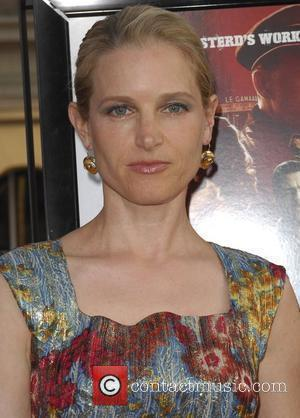 Bridget Fonda Los Angeles Premiere of Inglourious Basterds Premiere held at The Grauman Chinese Theatre - Arrivals Hollywood, California -...