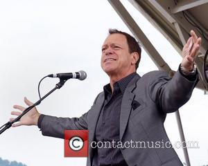 Joe Piscopo Former star of 'The Sopranos', Vincent Pastore, left and comedian Joe Piscopo perform during the Upper Ohio Valley...