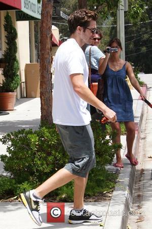 Jake Gyllenhaal Running Shoes