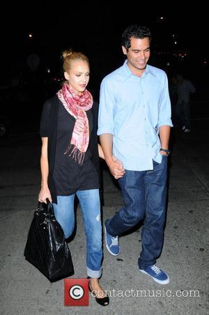 Jessica Alba and Ryan Gosling