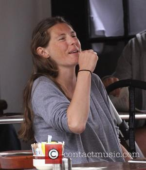 Jools Oliver has lunch with a friend at Coffee Cup in Hampstead London, England - 03.06.09