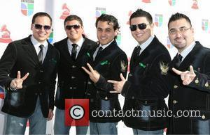 Costumbre and Latin Grammy Awards