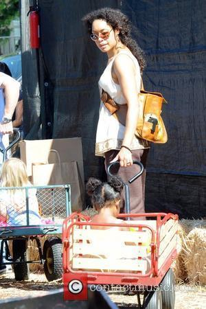 Gina Torres shopping at the pumpkin patch with her daughter, Delilah. West Hollywood, California - 17.10.09