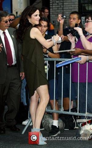Mary-Louise Parker outside Ed Sullivan Theatre for the 'Late Show With David Letterman' New York City, USA - 25.08.09
