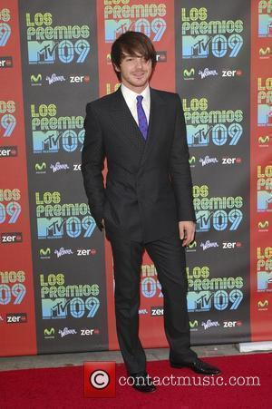 Drake Bell Los Premios MTV 2009 at the Gibson Amphitheatre - Arrivals Los Angeles, California - 15.10.09