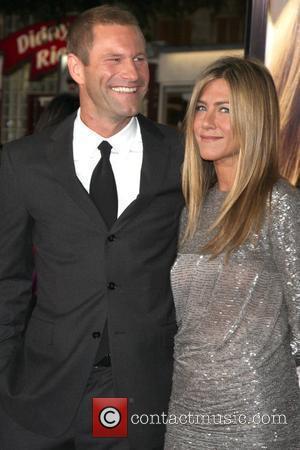 Aaron Eckhart and Jennifer Aniston
