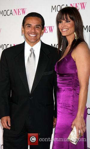 Antonio Villaraigosa & Lu Parker MOCA NEW 30th Anniversary Gala - arrivals Los Angeles, California - 14.11.09