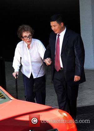 Nancy Reagan leaves her hotel Los Angeles, California - 14.07.09