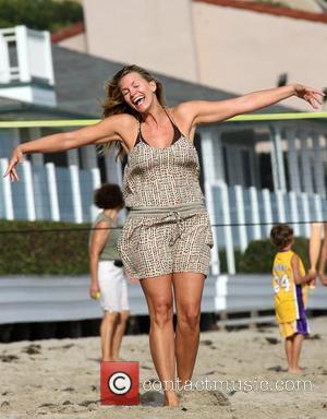 Natasha Henstridge enjoys a day on Malibu beach Los Angeles, California - 23.08.09