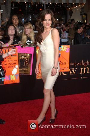 Elizabeth Reaser Premiere of 'The Twilight Saga: New Moon' at the Mann Village Theatre in Westwood - Arrivals Los Angeles,...