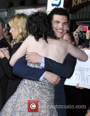 Taylor Lautner and Kisten Stewart