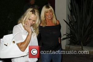 Pamela Anderson and Suzanne Somers leave Nobu restaurant together in Malibu after having dinner. Los Angeles, California, USA - 16.08.09