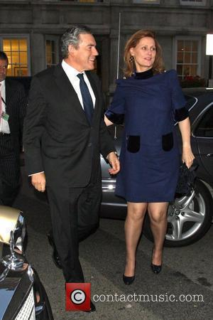 Gordon Brown and Sarah Brown Gordon and Tana Ramsay's fundraising dinner held at Claridges Hotel. London, England - 10.09.09