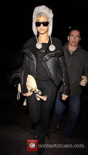 Rihanna's Jay-z Surprise At Album Launch