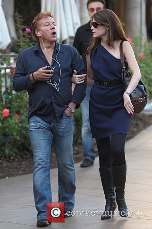 Ross King and his wife shopping in Hollywood Los Angeles, California - 20.10.09