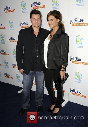 Lachey Plays Down Reunion With Ex-wife Simpson