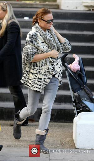 Stella McCartney makes her way home after taking her children to school London, England - 29.09.09