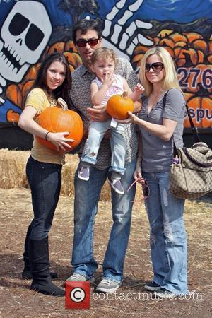Scott Baio, wife Renee Sloan with their daughters visit Mr. Bones Pumpkin Patch  West Hollywood, California - 18.10.09