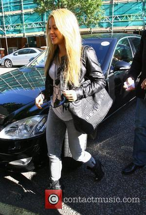 Shakira arrives at the BBC studios to record a seesion for Radio One's Live Lounge London, England - 24.09.09
