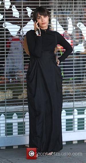 Shannyn Sossamon talks on her mobile phone while running errands Los Angeles, California - 16.10.09