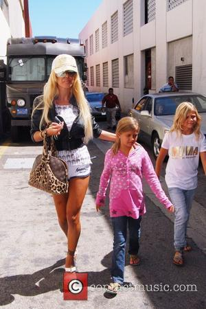 Shauna Sand and her daughters  out and about in Beverly Hills Los Angeles, California - 25.08.09