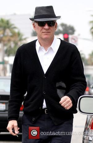 Steve Martin wearing a black hat while leaving Radio Shack in Beverly Hills Los Angeles, California - 13.10.09