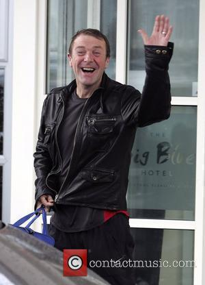 Phil Tufnell leaves his hotel to head to rehearsals for 'Strictly Come Dancing' Blackpool, England - 07.11.09