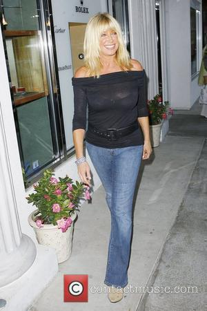 Suzanne Somers out and about in Malibu Malibu, California - 16.08.09