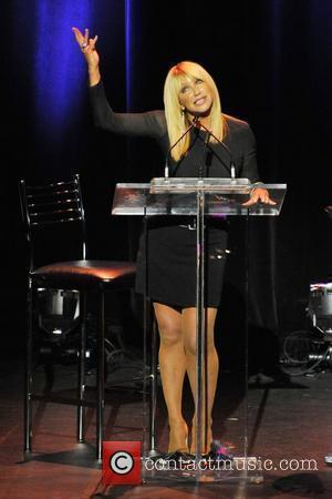 Actress and Author, Suzanne Somers addresses the audience Suzanne Somers Live Knockout: Bio-Identical Hormone Therapy & Curing Cancer event. Toronto,...