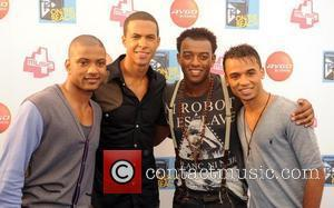 Jls and T4 On The Beach