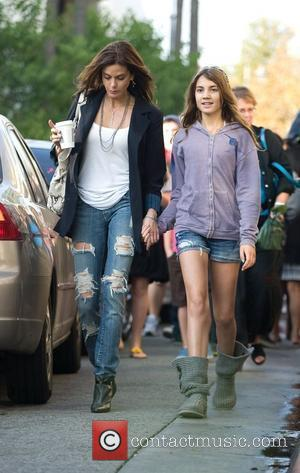 Teri Hatcher goes shopping with her daughter Emerson Rose and friends Los Angeles, California - 07.11.09