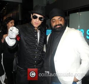 Michael Jackson Look-a-like and Michael Jackson