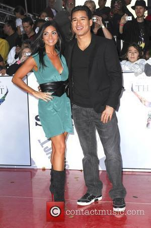 Mario Lopez and guest Michael Jackson's 'This Is It' Premiere at the Nokia Theatre - Arrivals Los Angeles, Cailfornia -...