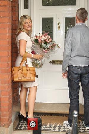 Holly Willoughby  arriving home after presenting 'This Morning' for the first time London, England - 14.09.09