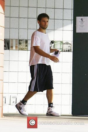 Tobey Maguire leaving a gym sweaty after playing basketball with friends Los Angeles, California - 23.10.09