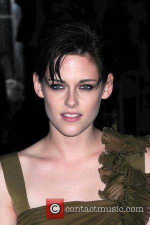 Kristen Stewart  The Cinema Society & D&G screening of 'The Twilight Saga: New Moon' at Landmark's Sunshine Cinema -...