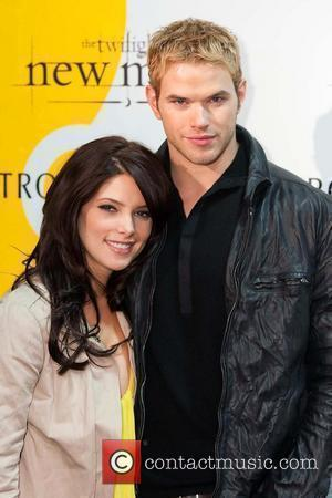 Kellan Lutz and Ashley Greene meet and sign autographs at Nordstrom and Hot Topic 'The Twilight Saga: New Moon' cast...