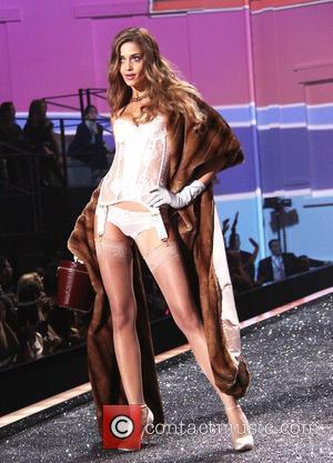 Model Ana Beatriz Barros