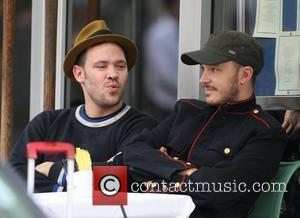 Will Young out for coffee with a friend London, England - 30.10.09
