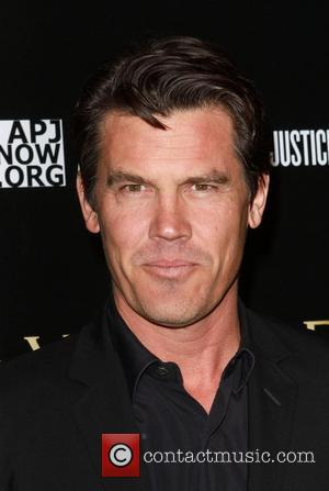 Josh Brolin Bvlgari Private Event Honoring Simon Fuller And Paul Haggis To Benefit Save The Children And Artists For Peace...
