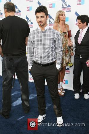 Joe Jonas and Vh1