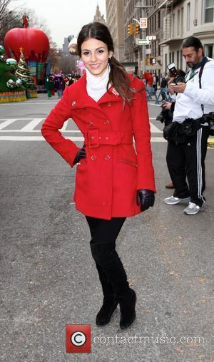 Victoria Justice 84th Macy's Thanksgiving Day Parade in New York City  New York, USA - 25.11.10