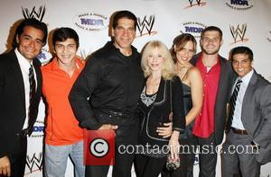 Lou Ferrigno and family and friends WWE and the Muscular Dystrophy Association (MDA) join forces to present the annual WWE...