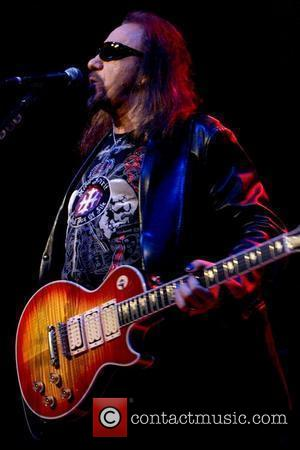 Ace Frehley Cancels U.k. Tour After Fall