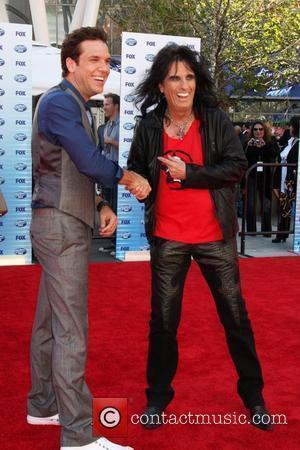 Dane Cook & Alice Cooper The American Idol Season 9 Finale at the Nokia Theatre L.A. Live - Arrivals Los...