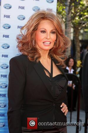 Raquel Welch The American Idol Season 9 Finale at the Nokia Theatre L.A. Live - Arrivals Los Angeles, California -...