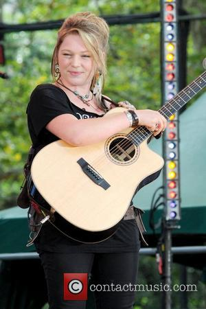 Crystal Bowersox Set To Marry