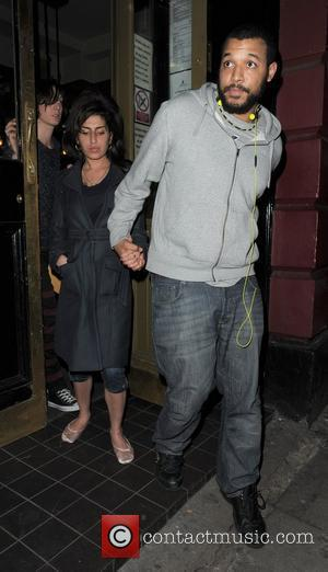 Amy Winehouse leaves the Hawley Arms pub in Camden, have performed a secret gig there. Amy appeared a little unsteady...