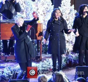Annie Lennox performs live at Rockerfeller Center in NYC. New York City, USA - 19.11.10